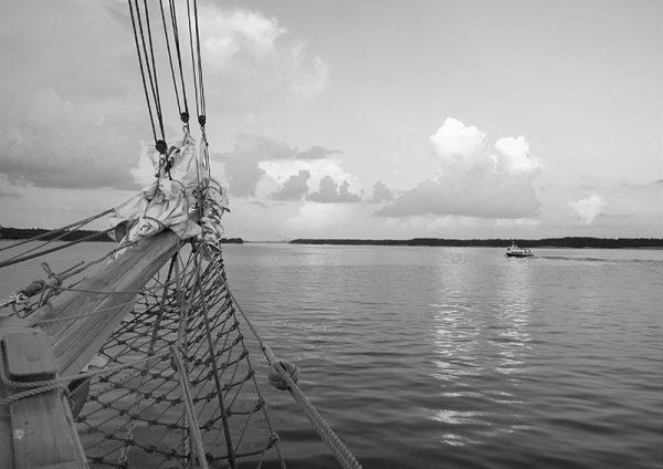 canvastaulu-meriseikkailu-2-bw-main