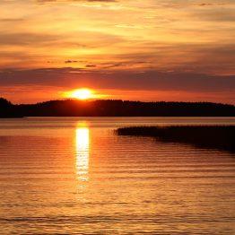 Punainen auringonlasku