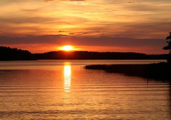 canvastaulu-punainen-auringonlasku-vari-main