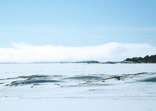 canvastaulu-talvipaiva-kustavin-saaristossa-vari-main